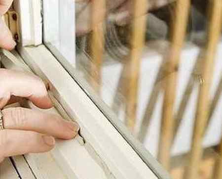 Как убрать грибок и плесень на деревянных окнах