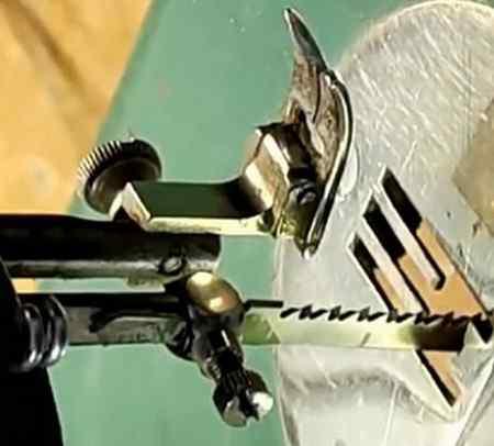 Что потребуется для этой самоделки из швейной машинки