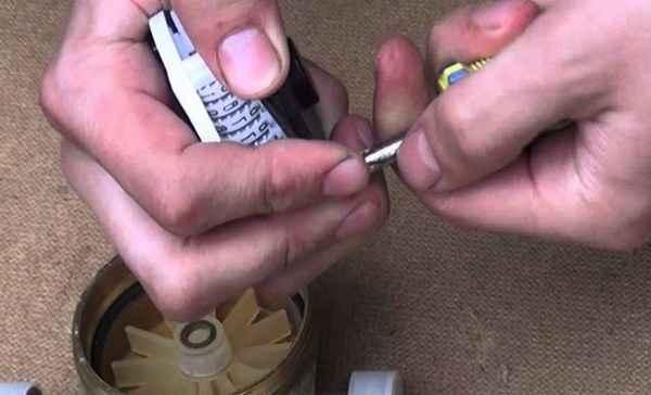 Как сделать насос из водяного счетчика своими руками