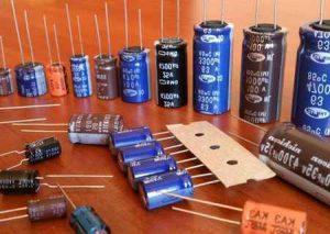 Что можно сделать из конденсаторов: шокер, аккумулятор, вечная лампа