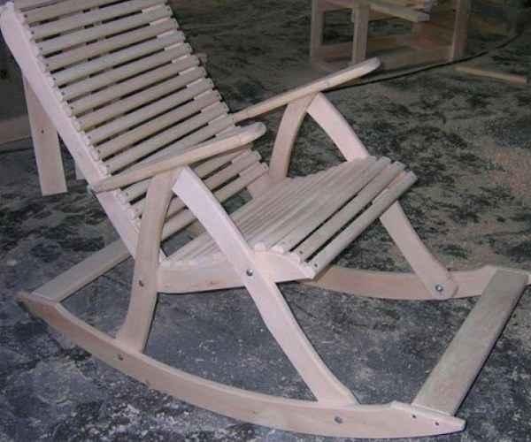 Кресло-качалка: оригинальная самоделка из дерева