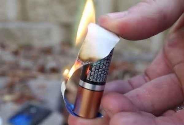 Как сделать зажигалку из пальчиковой батарейки