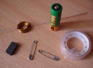Самоделки из пальчиковых батареек