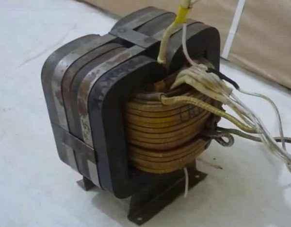 Конструкция понижающего трансформатора